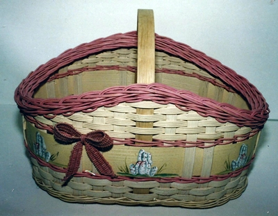 Easter Basket With Woven Bow Pattern